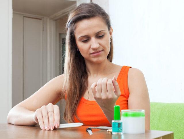 Лак та олівець Нейлнер 2в1 – одні з найкращих препаратів від грибка нігтів на руках