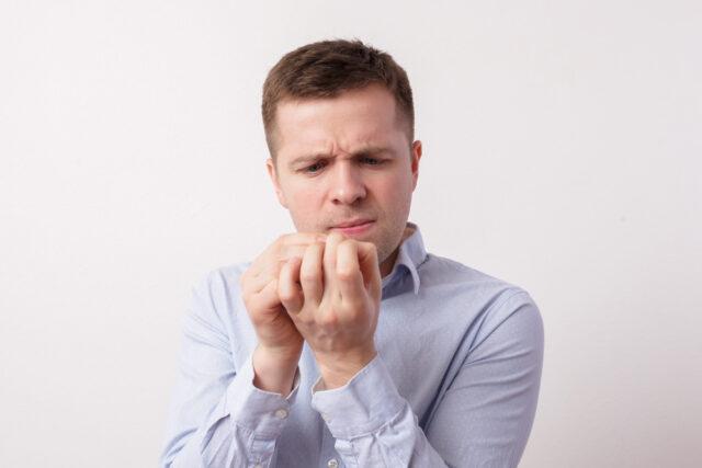 Підтвердити діагноз грибка нігтів на руках можна за рахунок лабораторного обстеження